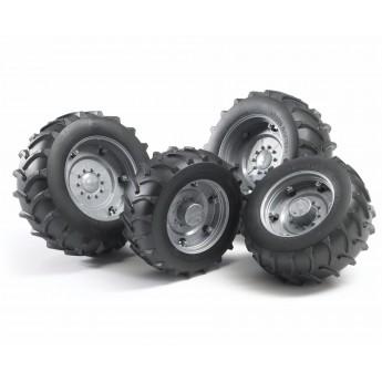 Колеса с серебристыми дисками к тракторам серии 2000 Bruder (02316)