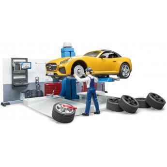 Ігровий набір Bruder авто-майстерня з машинками та фігуркою (62110)
