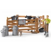 Набір: загін, корова, фермер з аксесуарами Bruder 62600