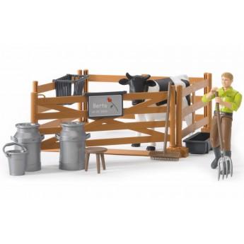 Набор фермера с загоном, коровой и рабочим с аксессуарами Bruder (62600)