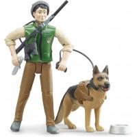 Фигурка Bruder Лесник с собакой и снаряжением (62660)