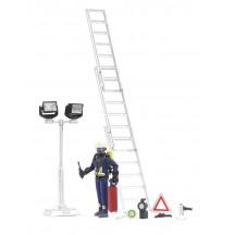 Фигурка пожарник с лестницей и аксессуарами Bruder (62700)