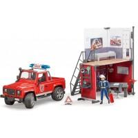 Игровой набор Пожарная часть Bruder с джипом Land Rover и пожарником (62701)