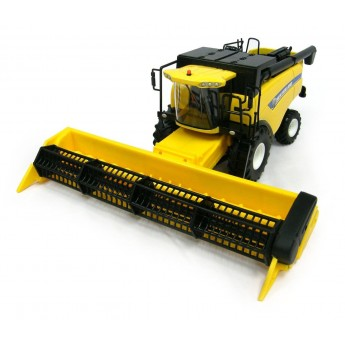 Игрушка Britains комбайн New Holland CX-6090, M1:32