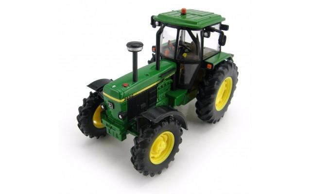 Іграшка трактор John Deere 3650