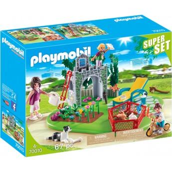 Набор Playmobil Семейный дворик (70010)