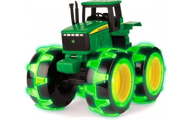Іграшка John Deere трактор Monster Treads з колесами, що світяться Tomy (46434B)